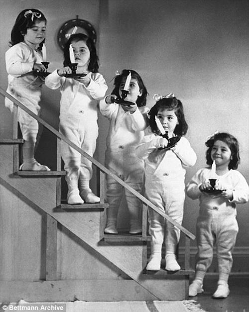 Cuộc đời bi kịch của những cô gái trong ca sinh năm đầu tiên trên thế giới  - Ảnh 4
