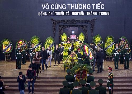 Lễ truy điệu và đưa tiễn phi công Nguyễn Thành Trung hy sinh tại Anh - Ảnh 1