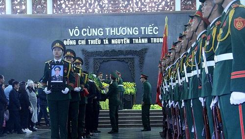 Lễ truy điệu và đưa tiễn phi công Nguyễn Thành Trung hy sinh tại Anh - Ảnh 3