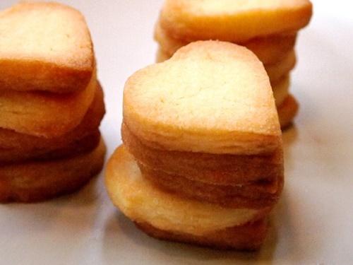 Trổ tài làm bánh quy bơ giòn tan thơm phức nhân ngày Valentine - Ảnh 11