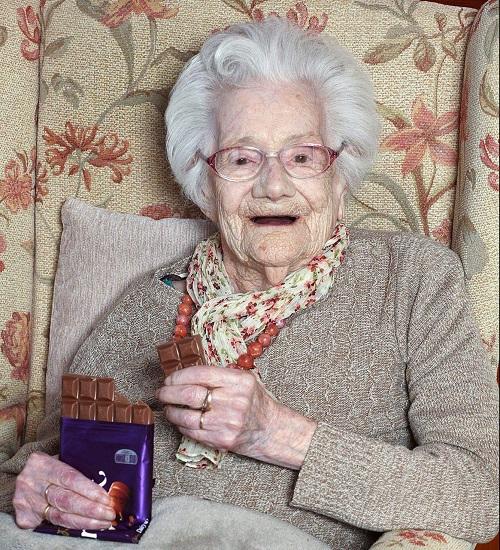 Hé lộ bí quyết sống lâu của cụ bà 104 tuổi - Ảnh 2