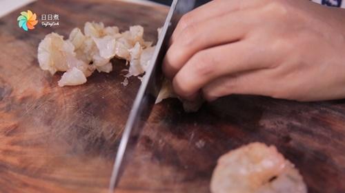Cùng vào bếp làm món chả tôm cuốn kiểu Đài Loan giòn thơm ngon miệng - Ảnh 2