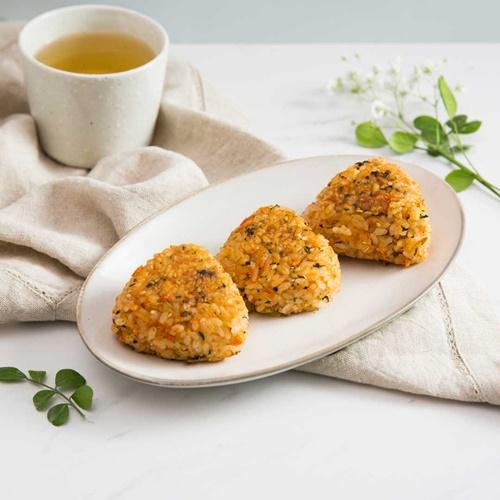 Cách làm cơm viên chiên cá hồi – món ăn cả nhà thích mê - Ảnh 8
