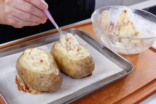 Cùng vào bếp làm khoai tây nướng phô mai trứng ngon tuyệt - Ảnh 7