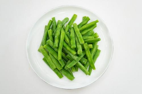 Bò cuốn đậu cô ve: Món ăn lạ miệng cho ngày nghỉ lễ 30/4 - Ảnh 4
