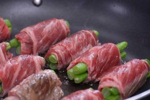 Bò cuốn đậu cô ve: Món ăn lạ miệng cho ngày nghỉ lễ 30/4 - Ảnh 6