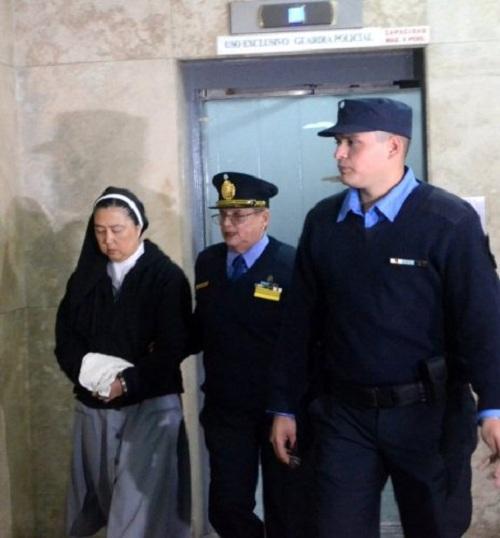 5 linh mục thay nhau lạm dụng tình dục các thiếu nữ khiếm thính bị đền tội - Ảnh 4