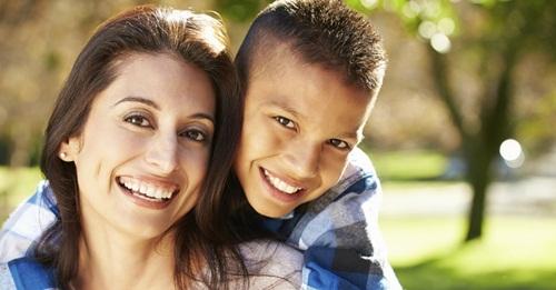Được mẹ yêu thương, con trai sẽ trở thành quý ông tôn trọng phụ nữ và nghiêm túc trong tình cảm - Ảnh 2