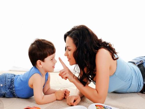 Được mẹ yêu thương, con trai sẽ trở thành quý ông tôn trọng phụ nữ và nghiêm túc trong tình cảm - Ảnh 4