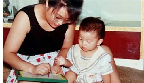 Khâm phục bà mẹ đơn thân nuôi con bại não thành nghiên cứu sinh đại học Harvard - Ảnh 3
