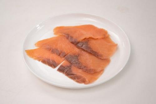 Cá hồi hun khói nướng quả bơ - ngon và giàu dưỡng chất - Ảnh 2