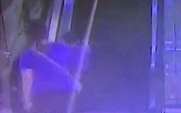 Cậu bé Trung Quốc bị thang cuốn nghiến đứt cánh tay - Ảnh 2