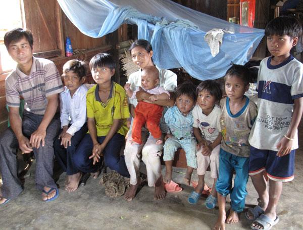"""Chuyện người sinh 12 con ở làng """"siêu đẻ"""" trên đất Việt - Ảnh 2"""