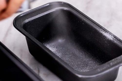 Cách làm bánh mì chuối đen mềm xốp ngon tuyệt - Ảnh 2