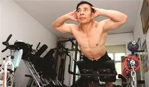 Quý ông từ người béo phì lắm bệnh trở thành nhà vô địch thể hình tuổi U60 - Ảnh 4