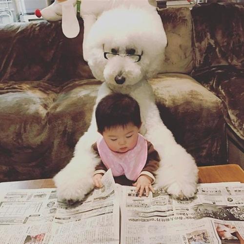 Tan chảy trước chùm ảnh đáng yêu về em bé và chó - Ảnh 2