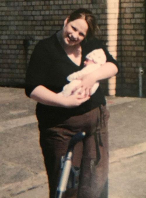 Giảm cân cực đoan, bà mẹ trẻ từ béo phì thành người gầy đến rụng cả tóc - Ảnh 2