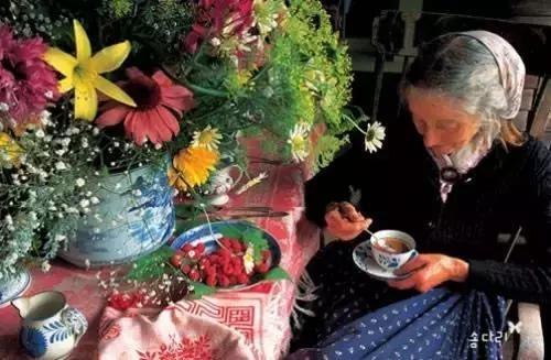 Cuộc sống thần tiên của nữ họa sĩ 92 tuổi  - Ảnh 25