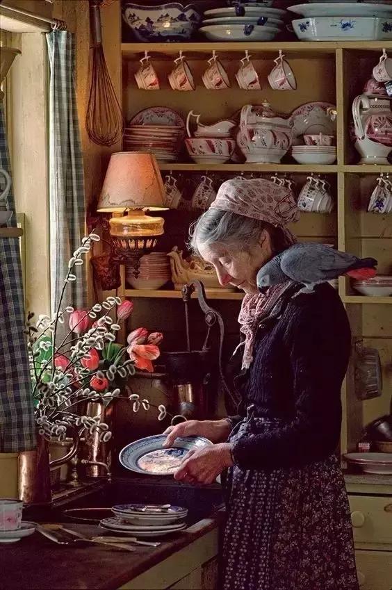 Cuộc sống thần tiên của nữ họa sĩ 92 tuổi  - Ảnh 13