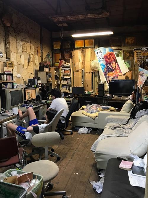 Cận cảnh khu nhà ký túc xá sinh viên hơn 100 tuổi tồi tàn nhất thế giới ở Nhật - Ảnh 8