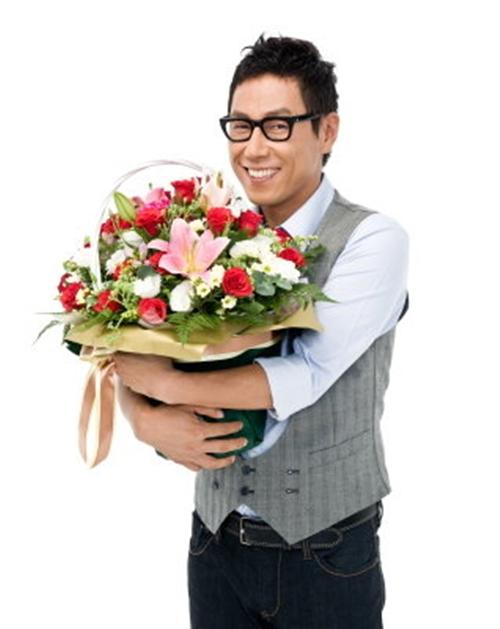 Gợi ý những cách kiếm tiền đơn giản để mua hoa, quà tặng bạn gái ngày 20/10 - Ảnh 1