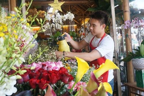 Gợi ý những cách kiếm tiền đơn giản để mua hoa, quà tặng bạn gái ngày 20/10 - Ảnh 3