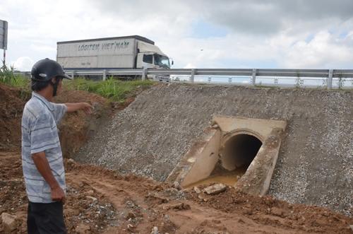 Cao tốc Đà Nẵng - Quảng Ngãi: Người dân tiếp tục chỉ ra nhiều bất cập trong thi công - Ảnh 5