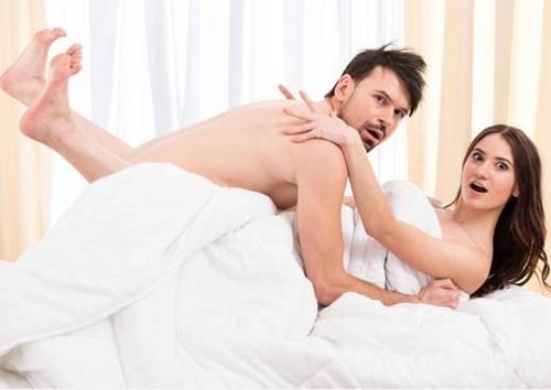 5 nguy cơ sẽ xảy ra khi đàn ông xa vợ quá lâu - Ảnh 2