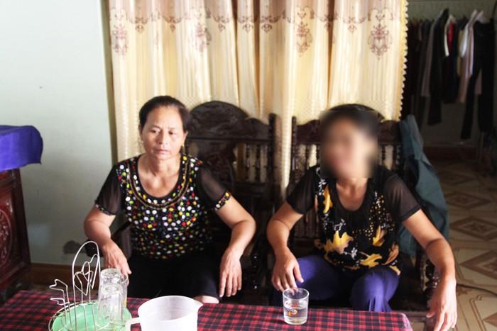 Trở về sau 7 năm bị bán sang Trung Quốc, người phụ nữ hóa điên cả ngày đi tìm con - Ảnh 1