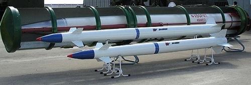 Tàu chiến Nga dùng tên lửa phòng không tiêu diệt tàu ngầm địch - Ảnh 1