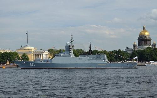 Tàu chiến Nga dùng tên lửa phòng không tiêu diệt tàu ngầm địch - Ảnh 6