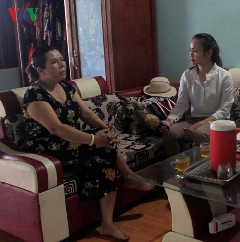 Chữa bệnh không phép, bà bán tạp hóa khiến một thanh niên phải cưa chân - Ảnh 2