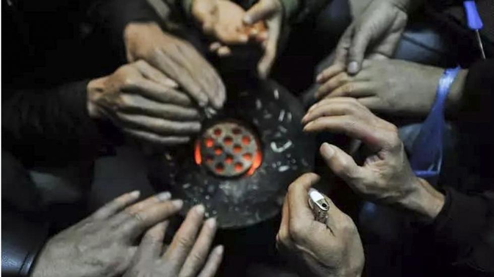 Trung Quốc: Bắt giam những người đốt than sưởi ấm - Ảnh 1