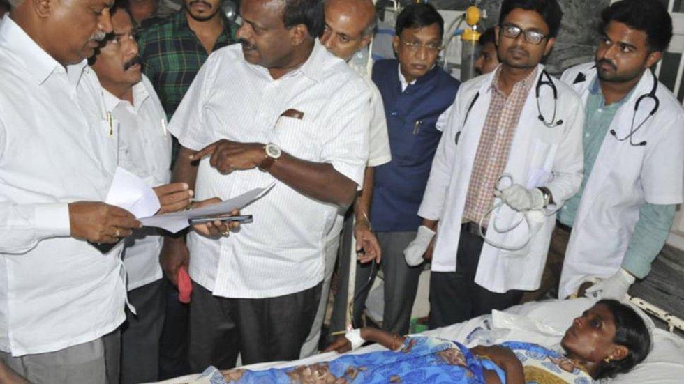 11 người chết, 93 nạn nhân cấp cứu vì nôn mửa, sùi bọt mép sau khi ăn cơm nhiễm độc - Ảnh 1