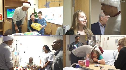 Ông Obama bất ngờ mặc đồ ông già Noel, đến bệnh viện tặng quà các bệnh nhi - Ảnh 2