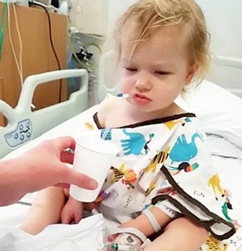 Mẹ phát hiện con gái nhỏ bị ung thư qua bức ảnh bố chụp có chi tiết lạ nhưng dễ bị bỏ qua - Ảnh 3
