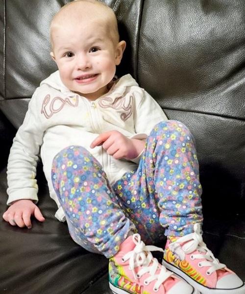 Mẹ phát hiện con gái nhỏ bị ung thư qua bức ảnh bố chụp có chi tiết lạ nhưng dễ bị bỏ qua - Ảnh 4