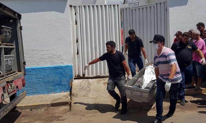 12 người chết trong vụ băng cướp ngân hàng đấu súng đẫm máu với cảnh sát Brazil - Ảnh 1