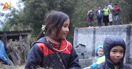 Dân mạng tan chảy trước gương mặt đẹp hút hồn của cô bé người H'Mông - Ảnh 2