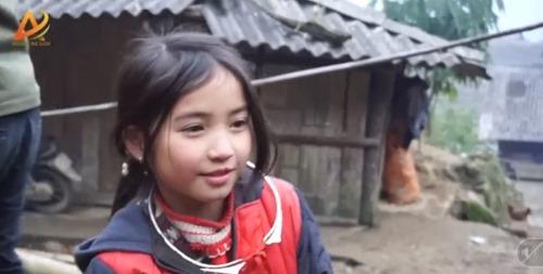Dân mạng tan chảy trước gương mặt đẹp hút hồn của cô bé người H'Mông - Ảnh 5