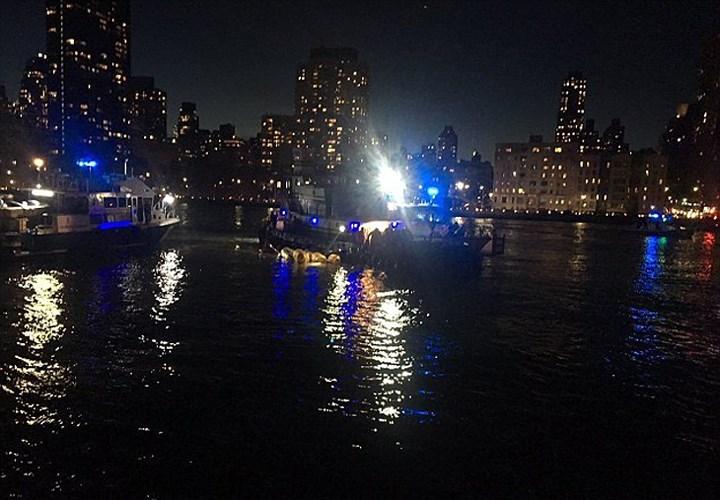 Cận cảnh hiện trường vụ trực thăng rơi ở New York - Ảnh 8