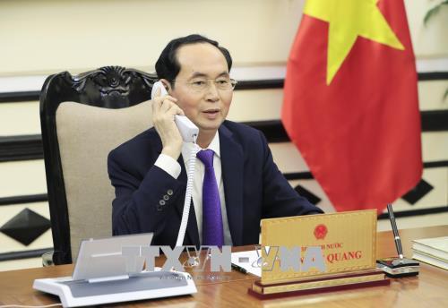 Chủ tịch nước Trần Đại Quang điện đàm với Tổng thống Liên bang Nga V. Putin - Ảnh 1