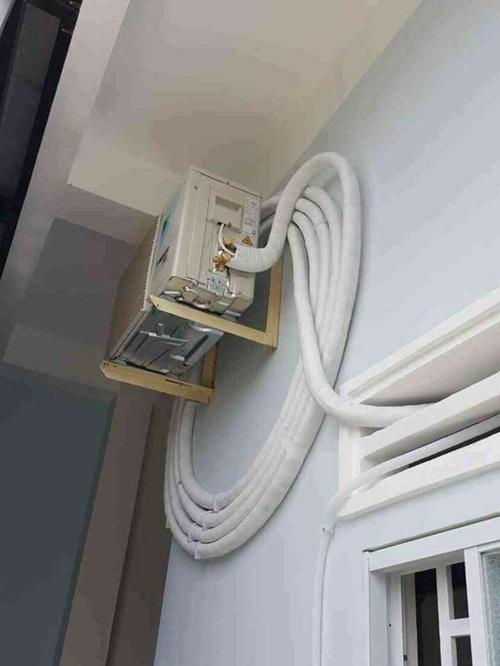 Cảnh giác với chiêu móc túi chủ nhà của thợ lắp, sửa đồ điện gia dụng - Ảnh 1