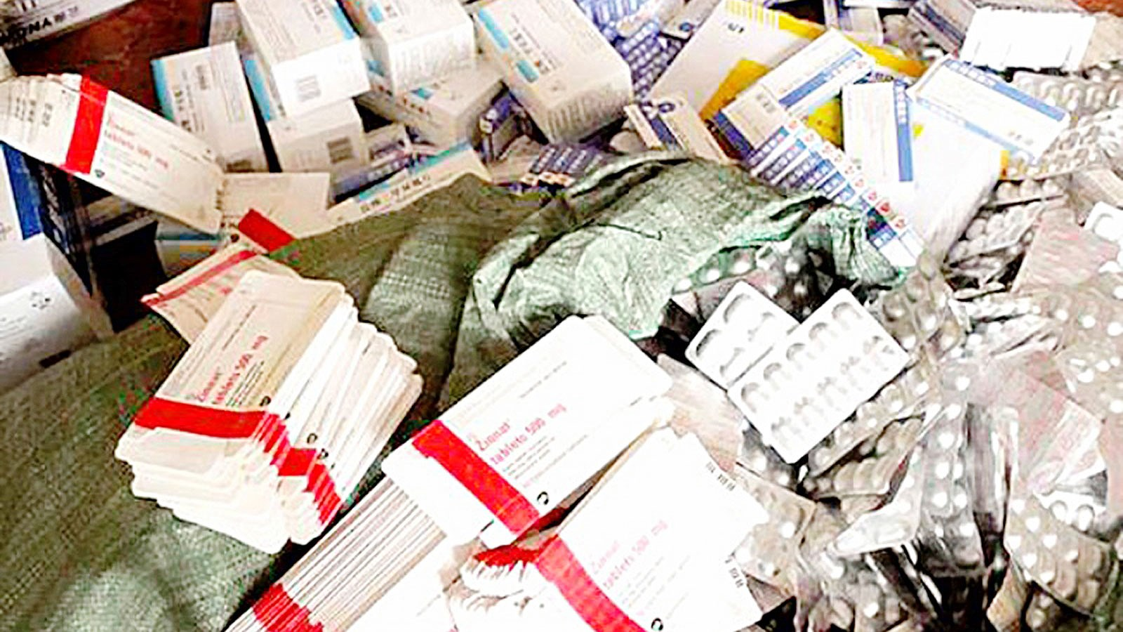 Nhiều loại thuốc giả một cách tinh vi, bán công khai tại những hiệu thuốc ở Hà Nội và TP.HCM - Ảnh 1