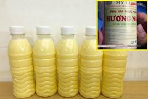 Kinh hoàng sữa ngô hóa chất siêu lợi nhuận: chỉ 2.000 đồng nguyên liệu bán 12.000 đồng/chai - Ảnh 1