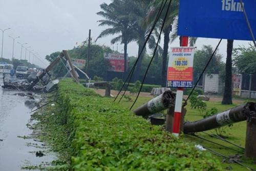 Hàng loạt cột điện bị đổ do lốc xoáy ở Vũng Tàu - Ảnh 5