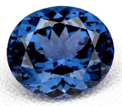 Viên kim cương xanh giá 20 triệu USD bị đánh cắp bí ẩn được tìm thấy trong hộp giày - Ảnh 1