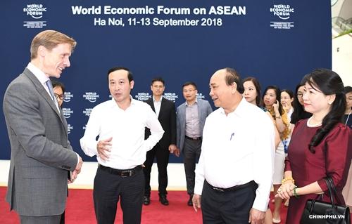 Thủ tướng Nguyễn Xuân Phúc đi kiểm tra công tác chuẩn bị cho hội nghị WEF ASEAN 2018 - Ảnh 1