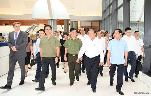 Thủ tướng Nguyễn Xuân Phúc đi kiểm tra công tác chuẩn bị cho hội nghị WEF ASEAN 2018 - Ảnh 3