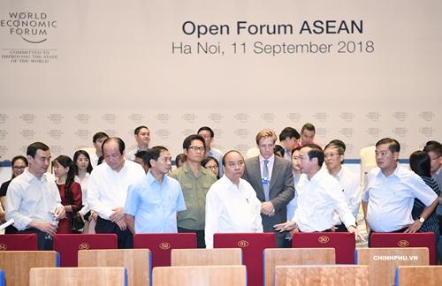 Thủ tướng Nguyễn Xuân Phúc đi kiểm tra công tác chuẩn bị cho hội nghị WEF ASEAN 2018 - Ảnh 5